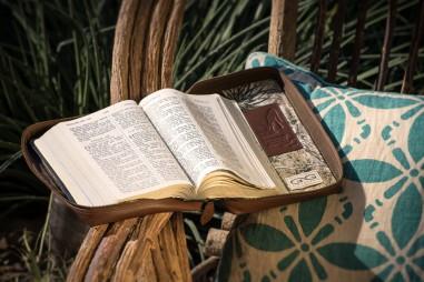 47.Open_Bible1