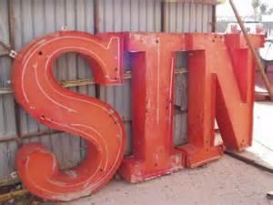 52.Sin